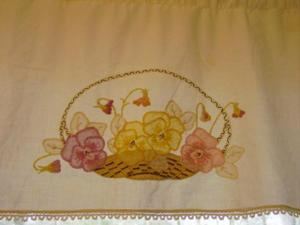 Master_bath_valance_close_up